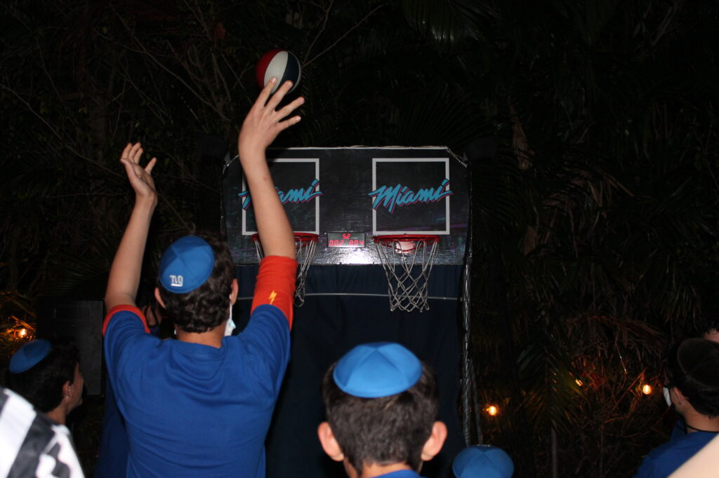 Noams Bar Mitzvah Games Competition 4